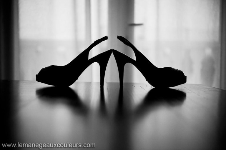 Reportage de Mariage à Ouveillan - les chaussures de la mariée photographe mariage