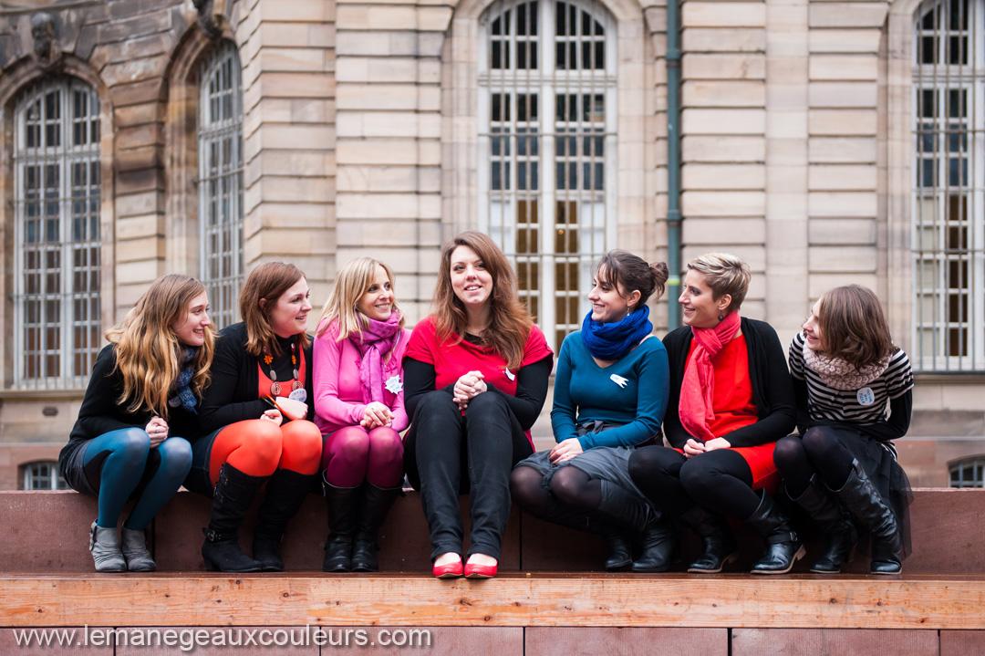 seance-photo-EVJF-strasbourg-photographe-mariage-lille-photos-entre-copines-naturelles-pas-posees-spontanees-theme-noel (3)