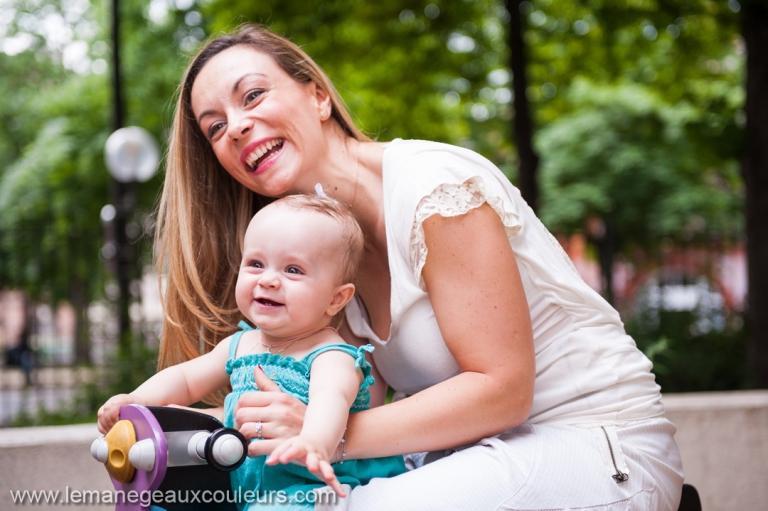 séance photo bébé à la maison ou en extérieur - les jeux dans le square - balançoire