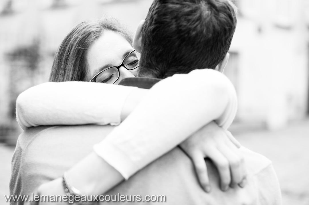 séance photo couple émotions naturelles non forcées pas de pose photographe mariage lille