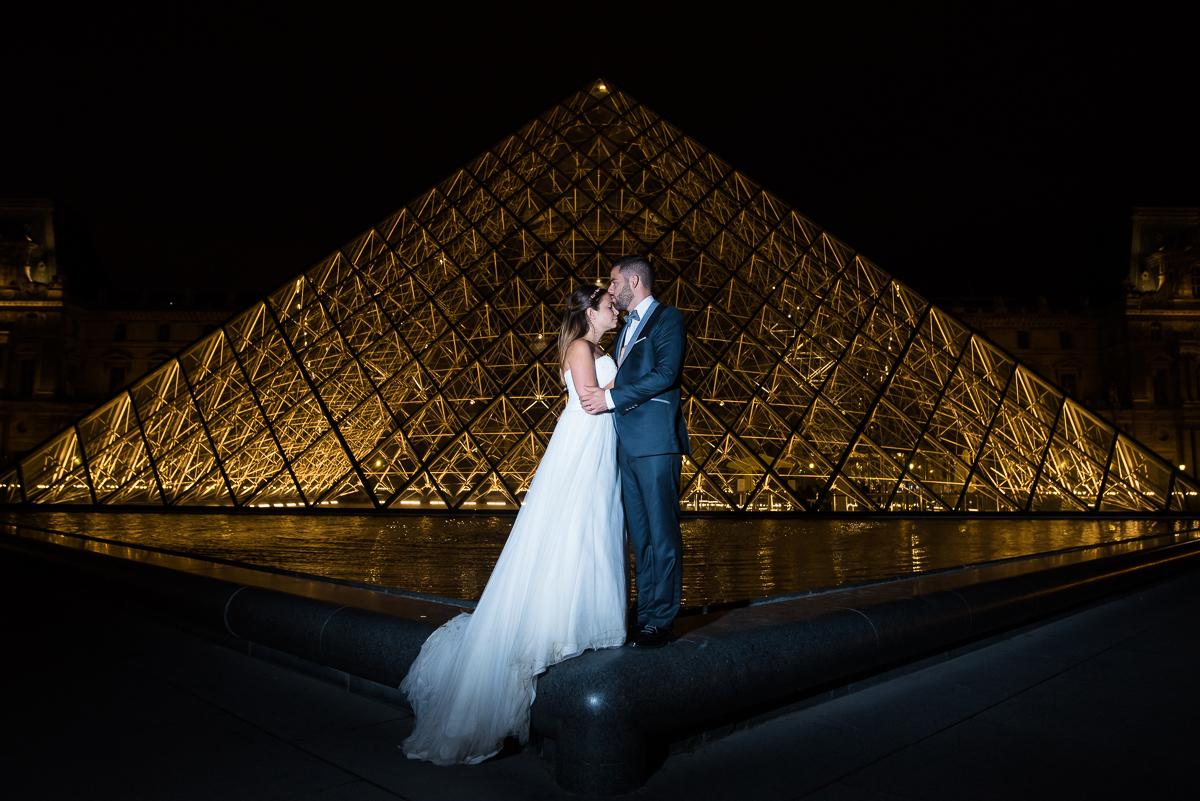 Reportage mariage simple et chic à Rambouillet | cérémonie laïque remplie d'émotions | séance photo de nuit à Paris