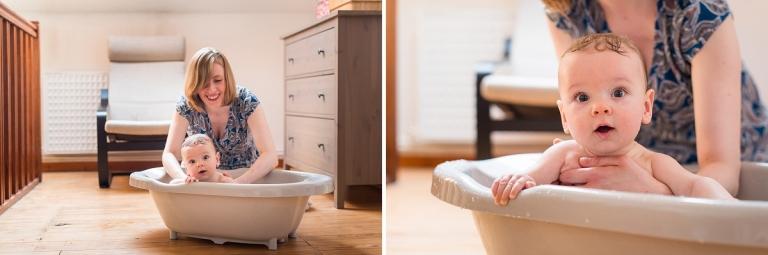 Reportage photo de vie quotidienne photographe bébé dans le bain Lille