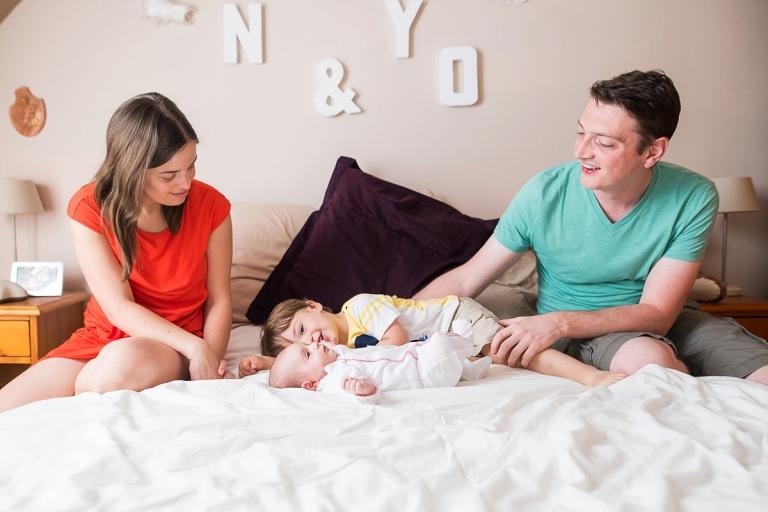 Séance photo colorée à la maison en famille nord pas de calais