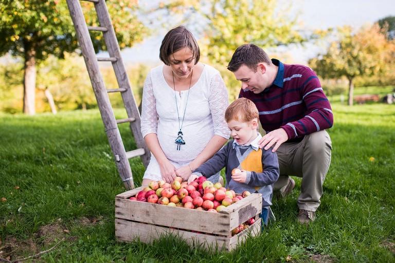 Séance photo en famille dans le Nord pommiers avesnois