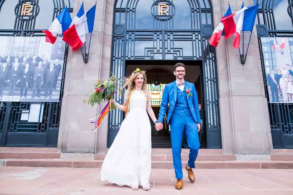 sortie de la mairie de marcq après le mariage civil