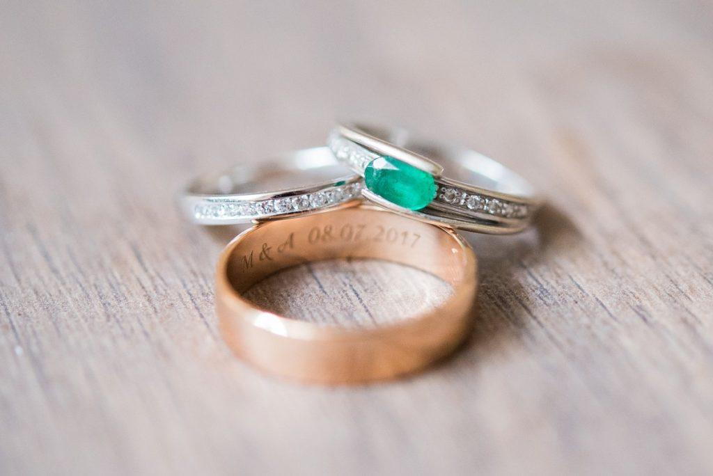 alliances pour un mariage multicolore
