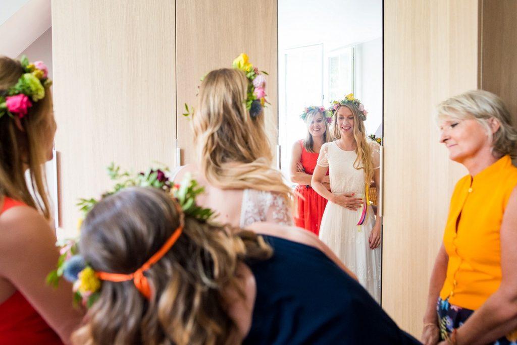 préparatifs de la mariée un moment intense chargé d'émotions