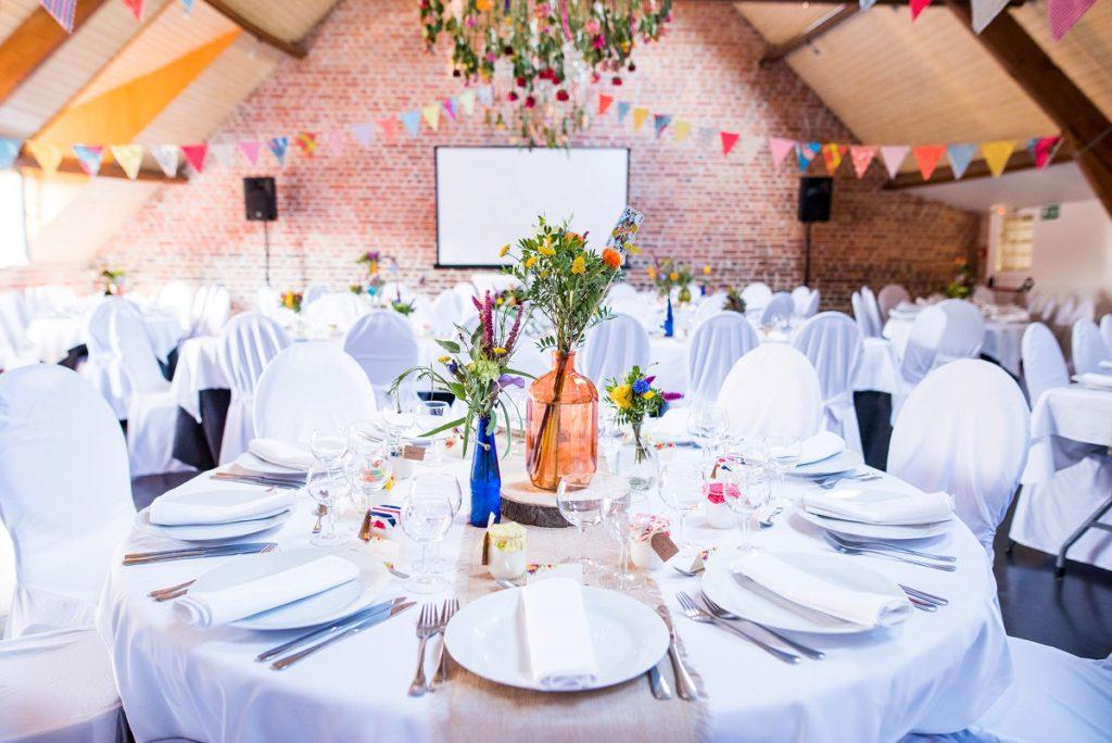 mariage à La Howarderie décoration de la salle du repas