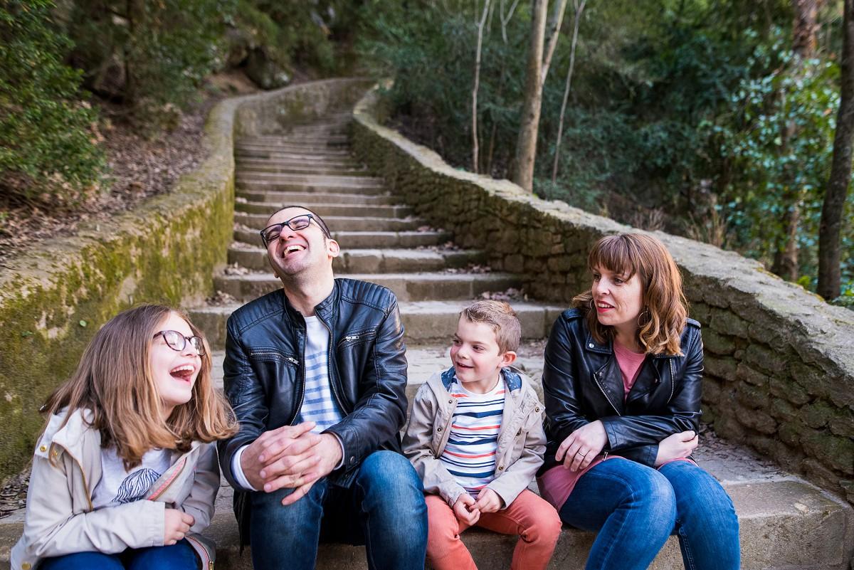 photographe famille Gard | Séance photo famille spontanée Pont du Gard