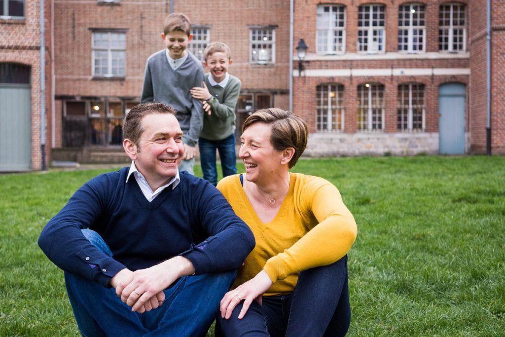 séance photo en famille avec plein de rires et de joie à Lille