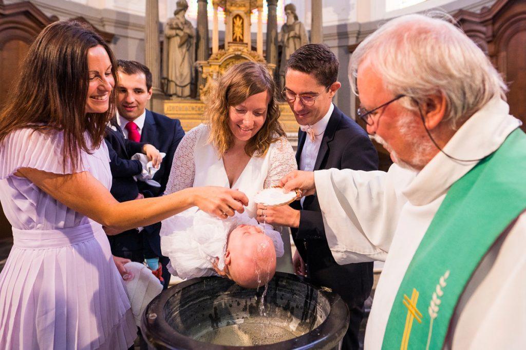 Photographe baptême Nord reportage photo église de Lecelles