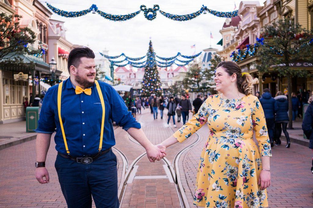séance engagement à Disney photographe couple paris lille