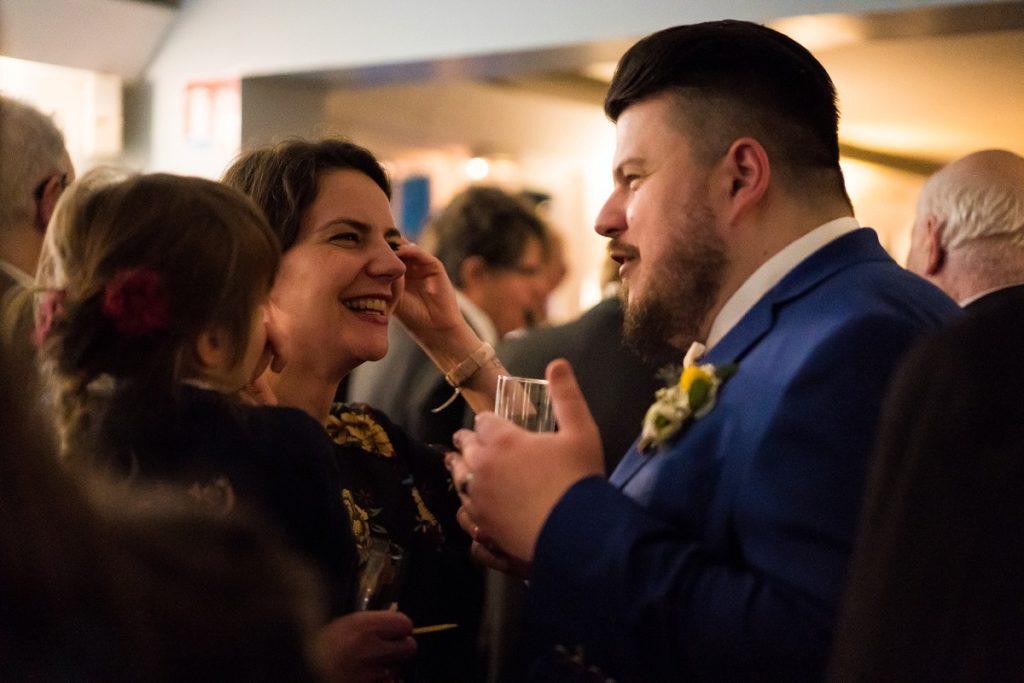 mariage en hiver au Hameau de la Becque vin d'honneur en intérieur lille
