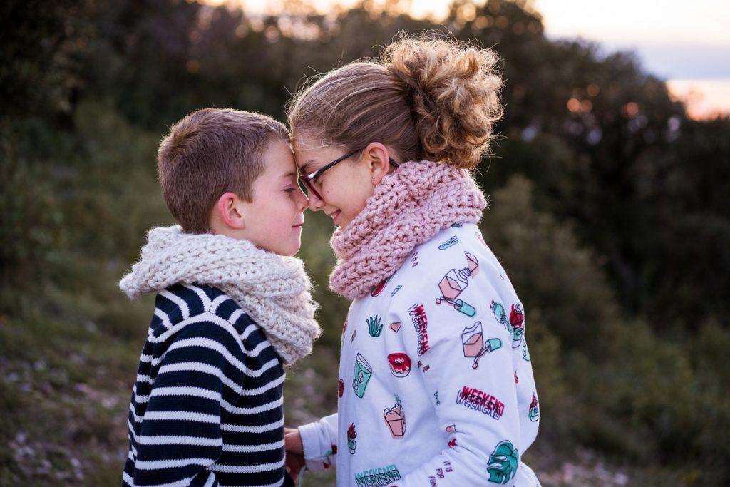 photographe de famille sur le vif et naturel à Avignon