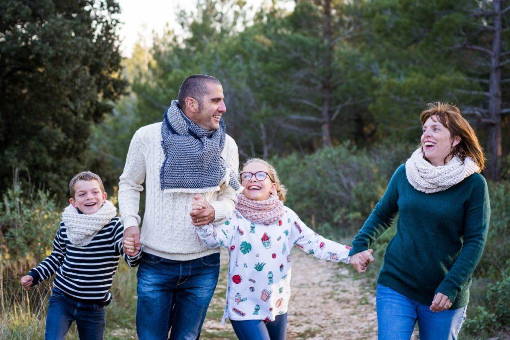 photographe de famille à Avignon sur le vif naturel coloré