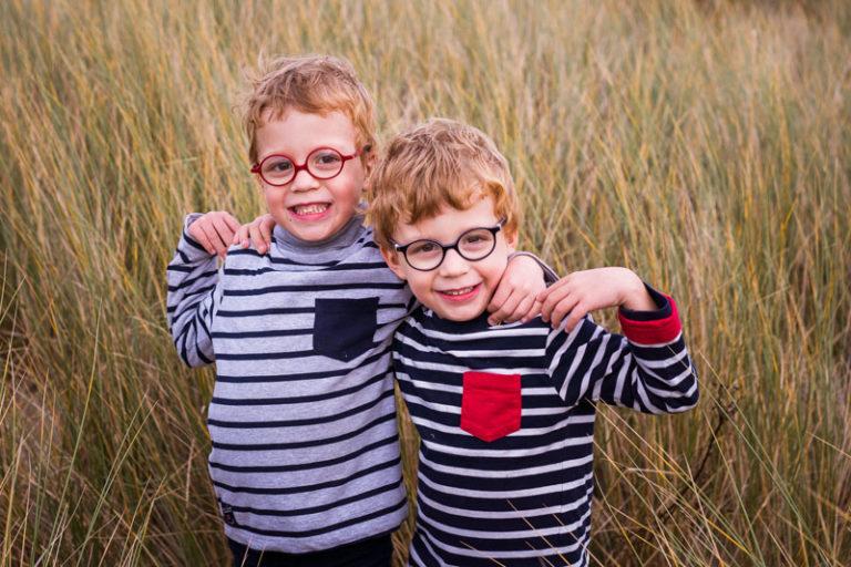photos de famille jumeaux à la plage belgique